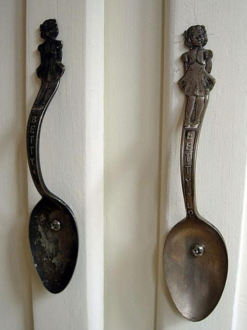Rusty Spoon Door Handle DIY Craft Ideas