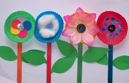 DIY Flower Made of Paper Plates Projects