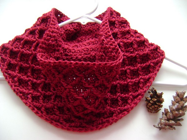 Diamond Crochet Cowl