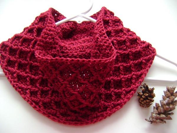Diamond Crochet Cowl