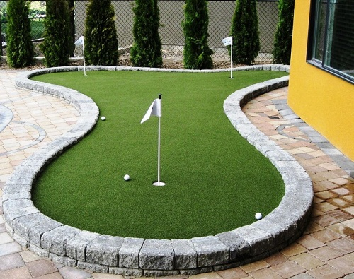 Backyard Golf Course DIY Ideas