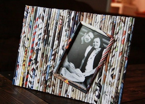 Rolled Magazine Photo Frame