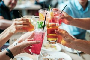 adult birthday party ideas drinks-alcohol-cocktails-alcoholi