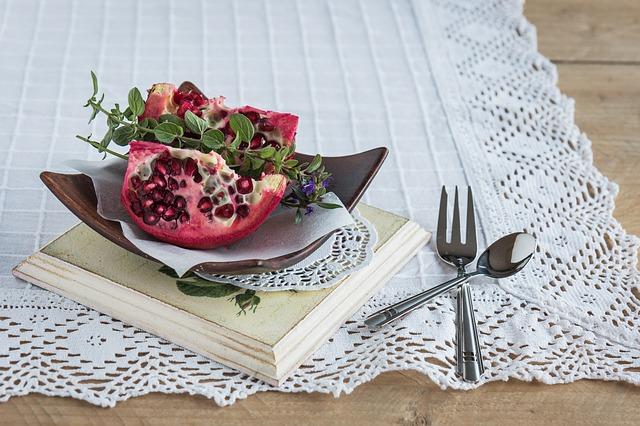 pomegranate-pomegranate-seeds-fruit